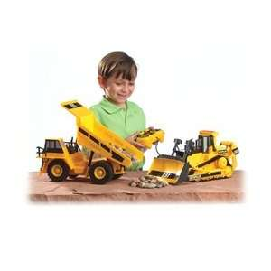 Caterpillar R/C Hauler: Dump Truck with Trailer Asst: Dump