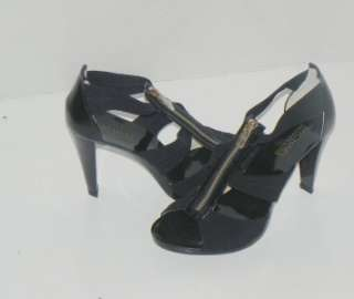 NIB MICHAEL KORS BERKLEY Black T STRAP SANDALS size 8
