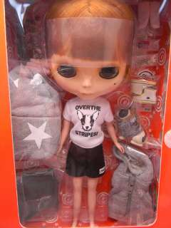 NEO BLYTHE 12 DOLL CWC HAPPY EVERYDAY OVER THE STRiPES T SHIRT BAND