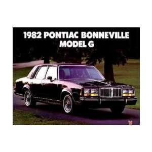 1982 PONIAC BONNEVILLE Sales Brochure Lieraure Book