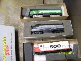 HO Athearn Genesis SD75M Train Engine BNSF 8251 Warbonnet Unused