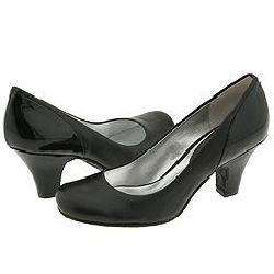 Kenneth Cole Reaction Lucky One Black Pumps/Heels