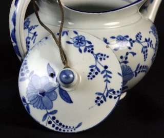 ANTIQUE STAFFORDSHIRE BLUE & WHITE PEARLWARE TEAPOT EARLY 19TH C