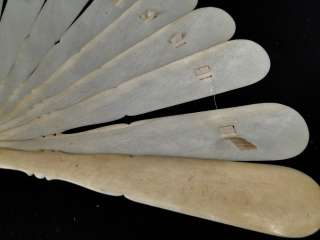 Antique 19C. Chinese Asian Carved Cow Bone Elegant Ladies Hand fan