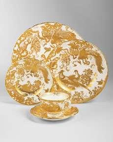 15M9 Royal Crown Derby Gold Aves Dinnerware