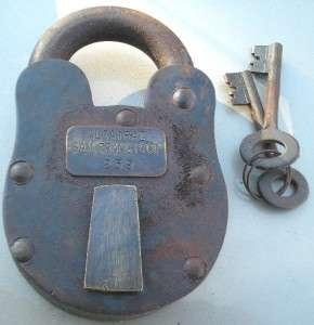 vintage us army padlock lock key foot military locker american u s no. Black Bedroom Furniture Sets. Home Design Ideas